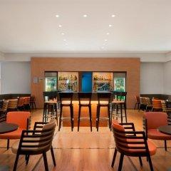 Отель Hilton Garden Inn Rome Airport Италия, Фьюмичино - 2 отзыва об отеле, цены и фото номеров - забронировать отель Hilton Garden Inn Rome Airport онлайн гостиничный бар