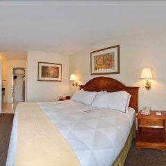 Отель Clarion Inn & Suites Clearwater комната для гостей