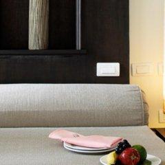 Отель Thara Patong Beach Resort & Spa Таиланд, Пхукет - 7 отзывов об отеле, цены и фото номеров - забронировать отель Thara Patong Beach Resort & Spa онлайн удобства в номере
