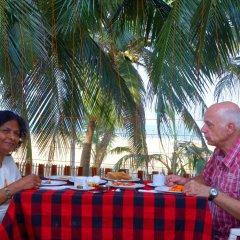 Отель Topaz Beach Шри-Ланка, Негомбо - отзывы, цены и фото номеров - забронировать отель Topaz Beach онлайн питание фото 2