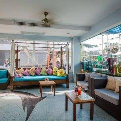 On Hotel Phuket интерьер отеля