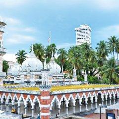 Отель Duta Vista Executive Suites Kuala Lumpur Малайзия, Куала-Лумпур - отзывы, цены и фото номеров - забронировать отель Duta Vista Executive Suites Kuala Lumpur онлайн бассейн