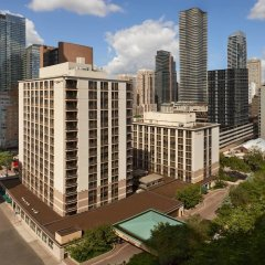 Отель Courtyard by Marriott Downtown Toronto Канада, Торонто - отзывы, цены и фото номеров - забронировать отель Courtyard by Marriott Downtown Toronto онлайн балкон