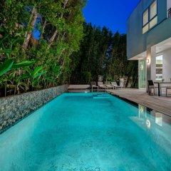 Отель Villa Esto США, Лос-Анджелес - отзывы, цены и фото номеров - забронировать отель Villa Esto онлайн бассейн