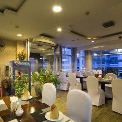 Отель Brandi Nha Trang Hotel Вьетнам, Нячанг - 1 отзыв об отеле, цены и фото номеров - забронировать отель Brandi Nha Trang Hotel онлайн гостиничный бар