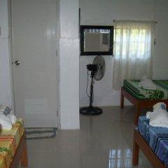 Отель Charm Guest House - Hostel Филиппины, Пуэрто-Принцеса - отзывы, цены и фото номеров - забронировать отель Charm Guest House - Hostel онлайн удобства в номере