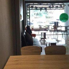 Qing lian Youth Hostel&Cafe комната для гостей фото 3