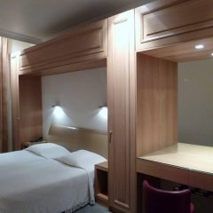 Отель Hôtel du Vieux Marais удобства в номере