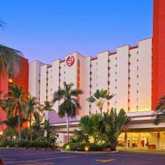 Отель Sheraton Buganvilias Resort & Convention Center парковка