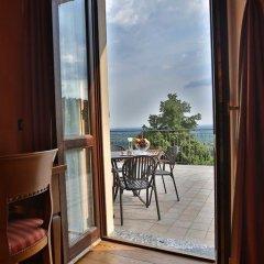 Отель Albergo Ristorante Maggioni Монтевеккья балкон