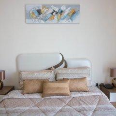 Отель One Perfect Stay - Discovery Gardens комната для гостей