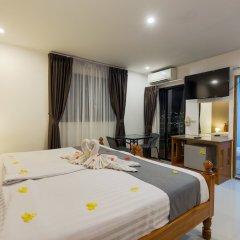 Отель VITS Patong Dynasty комната для гостей фото 9