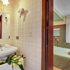 Отель Locanda Antico Fiore Италия, Венеция - отзывы, цены и фото номеров - забронировать отель Locanda Antico Fiore онлайн ванная фото 2