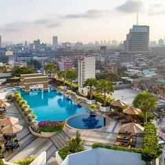 Отель Berkeley Pratunam Бангкок балкон