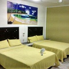 Отель Arturo's комната для гостей фото 2