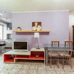 Апартаменты Inn Days Apartments Polyanka комната для гостей