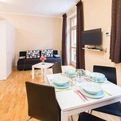 Апартаменты Picasso Apartments Prague комната для гостей