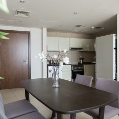 Отель Higuests Vacation Homes - Hilliana Tower в номере