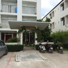 Апартаменты Arun Seaview Apartment Пхукет парковка