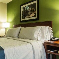 Отель Holiday Inn Express Guadalajara Aeropuerto комната для гостей фото 4