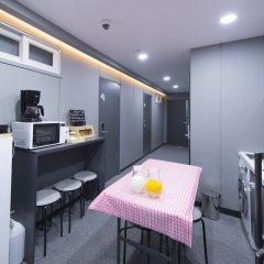 Отель Philstay Myeongdong Metro Южная Корея, Сеул - отзывы, цены и фото номеров - забронировать отель Philstay Myeongdong Metro онлайн питание