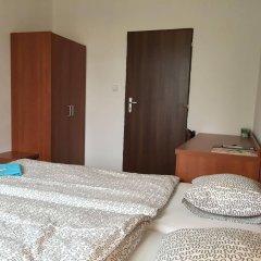 Отель Penzion Village сейф в номере