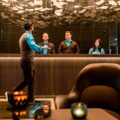 Отель Motel One Frankfurt-Römer гостиничный бар