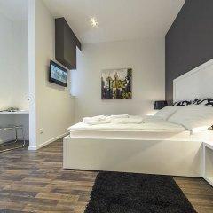 Отель Prima Luxury Rooms сейф в номере