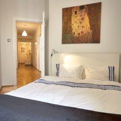 Апартаменты Operastreet.Com Apartments комната для гостей фото 4