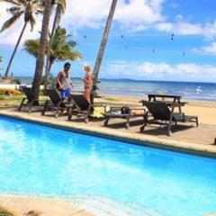 Отель Bamboo Backpackers Фиджи, Вити-Леву - отзывы, цены и фото номеров - забронировать отель Bamboo Backpackers онлайн бассейн фото 2