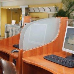 Отель Apartamentos Roc Portonova интерьер отеля фото 2