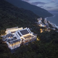 Отель InterContinental Danang Sun Peninsula Resort пляж