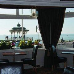 The Brighton Hotel гостиничный бар