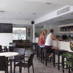 Отель Hostal Gami гостиничный бар