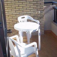 Отель Ronda 4 - Aire del Mar Mediterraneo Испания, Фуэнхирола - отзывы, цены и фото номеров - забронировать отель Ronda 4 - Aire del Mar Mediterraneo онлайн балкон