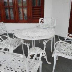 Отель Salubrious Resort Анурадхапура балкон