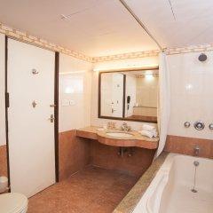 Отель LMB Hotel Индия, Джайпур - отзывы, цены и фото номеров - забронировать отель LMB Hotel онлайн ванная