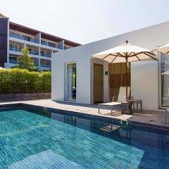 Отель X2 Vibe Phuket Patong бассейн