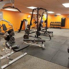 Отель William F. Bolger Center фитнесс-зал фото 2