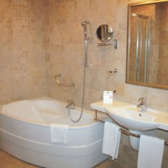 Отель RIU Pravets Golf & SPA Resort ванная