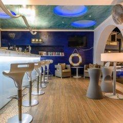Отель La Mer Deluxe Hotel & Spa - Adults only Греция, Остров Санторини - отзывы, цены и фото номеров - забронировать отель La Mer Deluxe Hotel & Spa - Adults only онлайн гостиничный бар