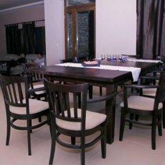 Отель Villa Gergana Боженци гостиничный бар