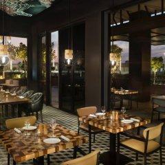 La Ville Hotel & Suites CITY WALK, Dubai, Autograph Collection питание фото 4