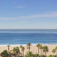 Отель Huntley Santa Monica Beach пляж