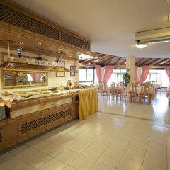 Отель Aparthotel Alcúdia Beach гостиничный бар