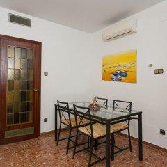 Отель Spacious & Quiet 4 Bedroom Apartment Испания, Барселона - отзывы, цены и фото номеров - забронировать отель Spacious & Quiet 4 Bedroom Apartment онлайн удобства в номере фото 2