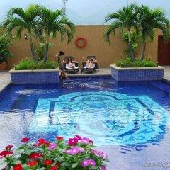 Отель Crowne Plaza San Pedro Sula бассейн
