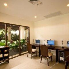 Отель Ravindra Beach Resort And Spa интерьер отеля фото 3