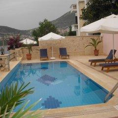 Kuluhana Hotel & Villas Kalkan Турция, Патара - отзывы, цены и фото номеров - забронировать отель Kuluhana Hotel & Villas Kalkan онлайн бассейн