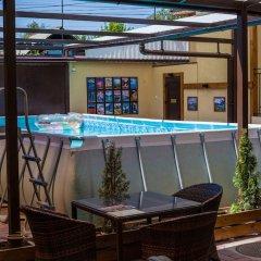 Отель Клубный Отель Флагман Кыргызстан, Бишкек - отзывы, цены и фото номеров - забронировать отель Клубный Отель Флагман онлайн бассейн фото 3